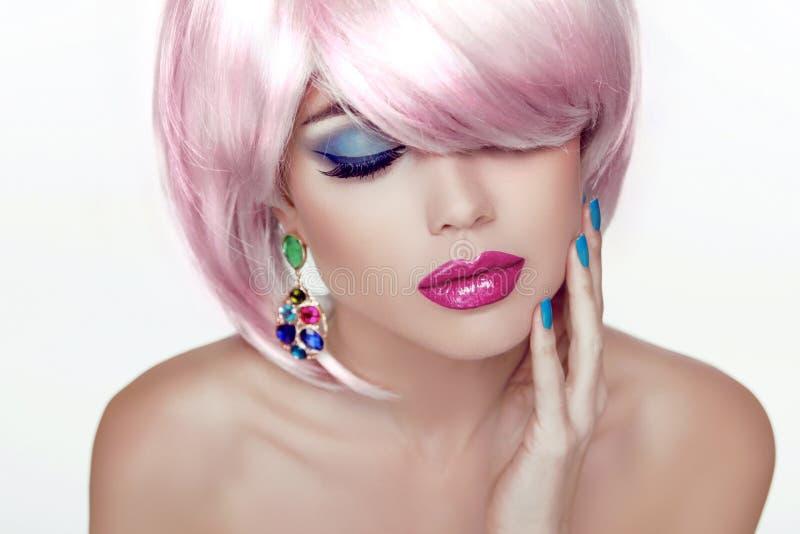 Make-up. Sexy lippen. Het Portret van het schoonheidsmeisje met Kleurrijke Make-up, Co stock afbeelding