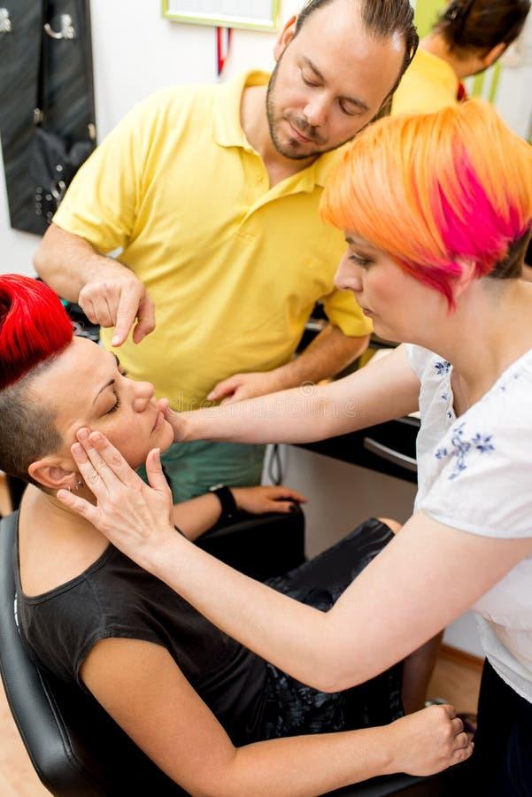 Make-upakademie lizenzfreie stockfotos