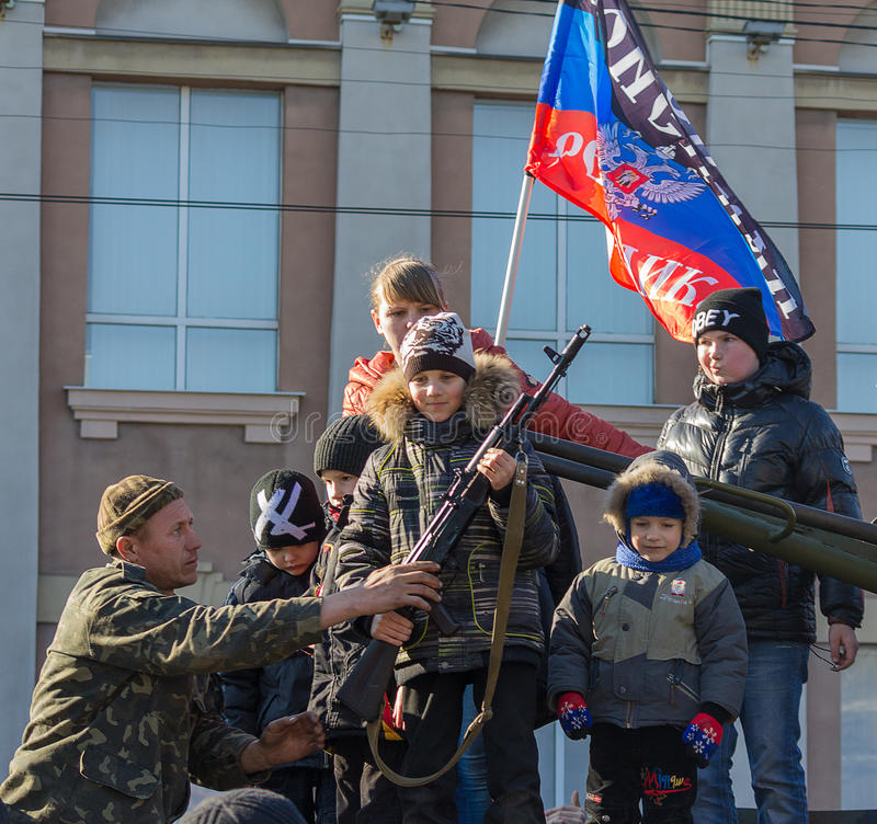 Makeevka Ukraina, Luty, -, 22, 2015: Odświętność karnawału und fotografia royalty free