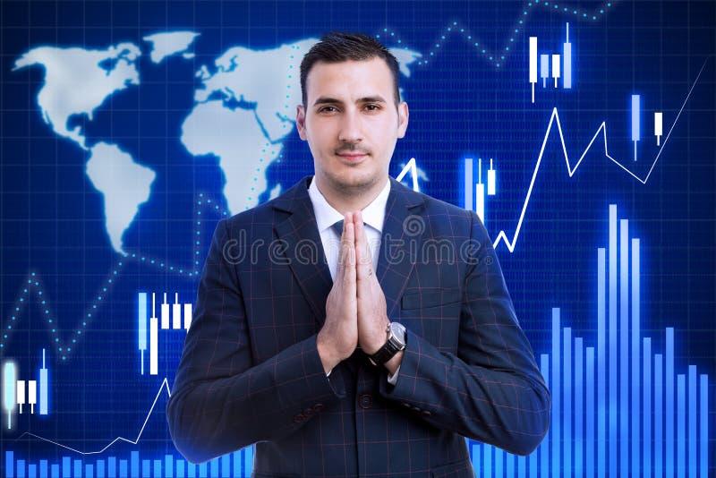 Makelaar met palmen aangesloten bij zoals het bidden concept royalty-vrije stock foto