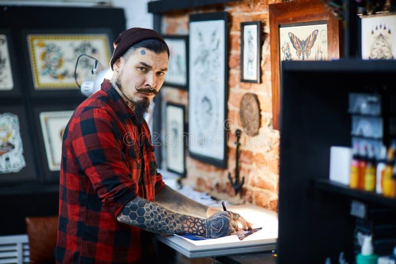 Makend steekproef schetsen tatoeëren stock fotografie