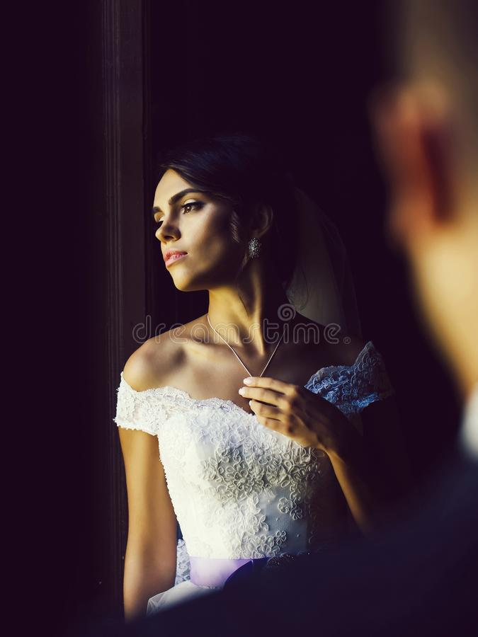 Αρκετά προκλητική νύφη στοκ φωτογραφία