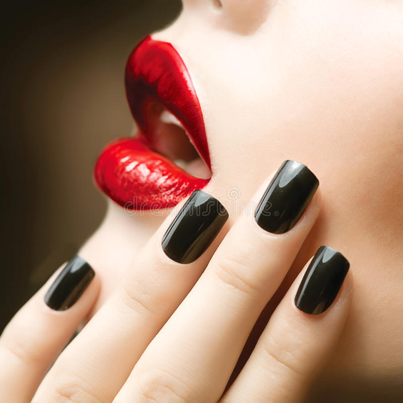 Free Makeup And Manicure Royalty Free Stock Photography - 27610047
