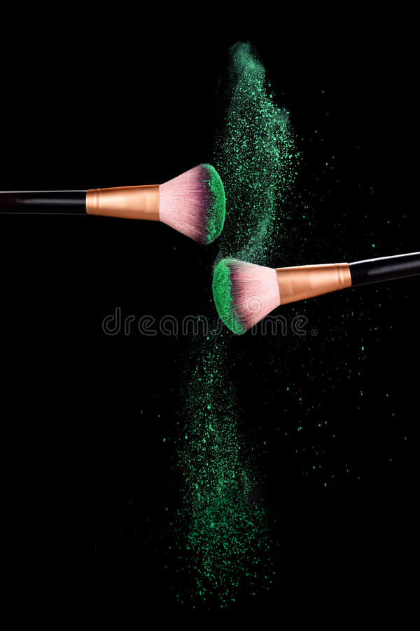 Free Makeup Concept. Brush With Powder Explosion Stock Images - 89456564