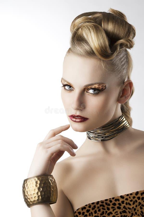 makeup för modeflickaleopard royaltyfri foto