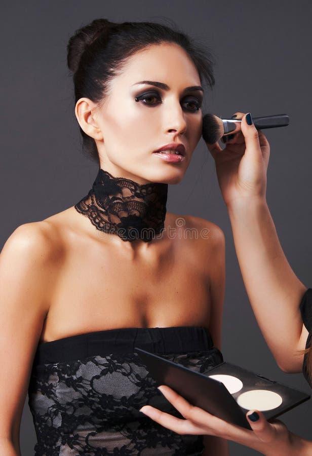 Makeup proces młoda ładna dziewczyna fotografia stock