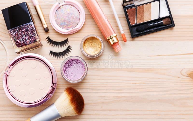 Makeupskönhetsmedelbakgrund arkivfoton