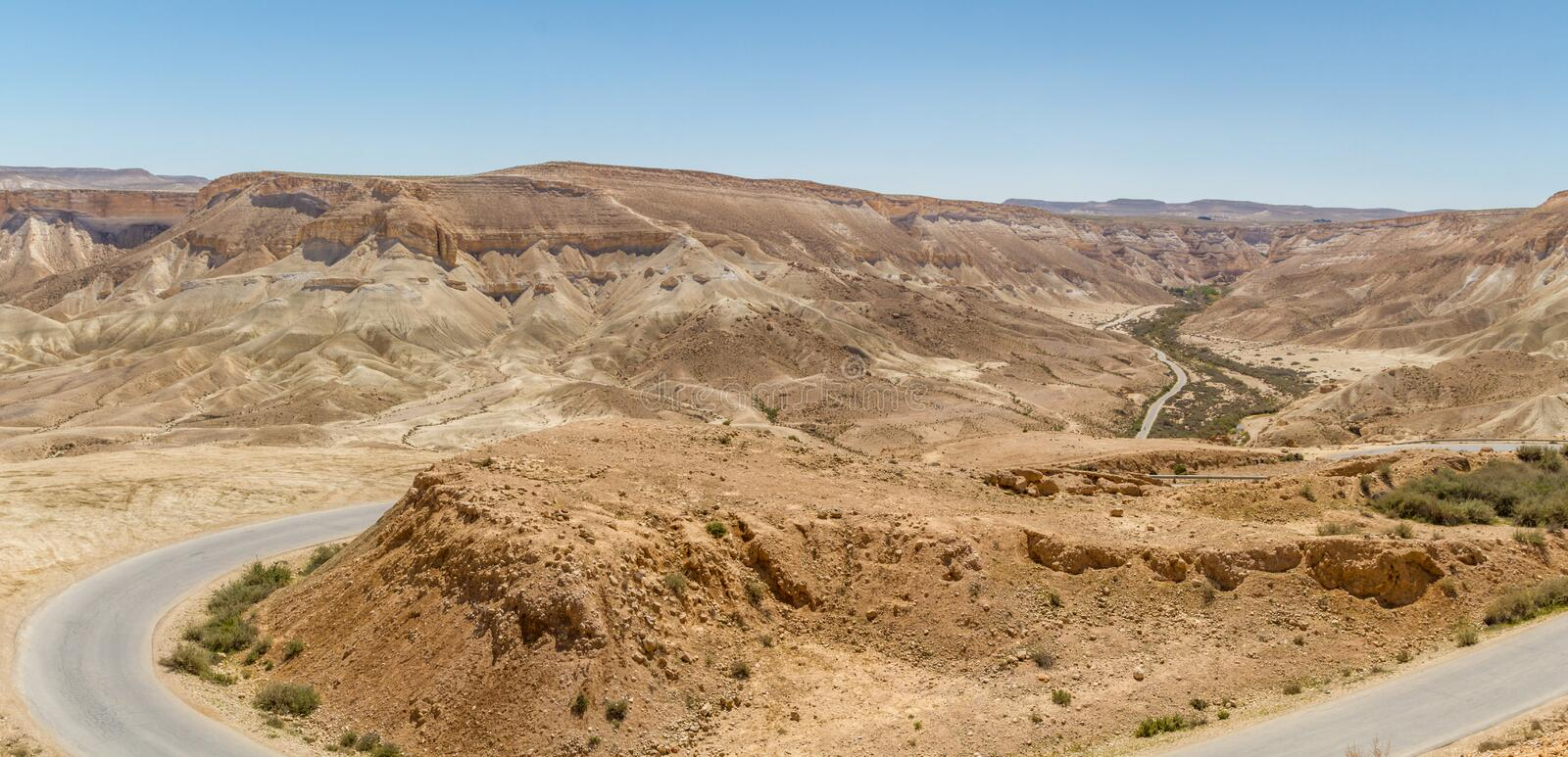 The Makhtesh Ramon, road in Negev desert, Israel stock photography