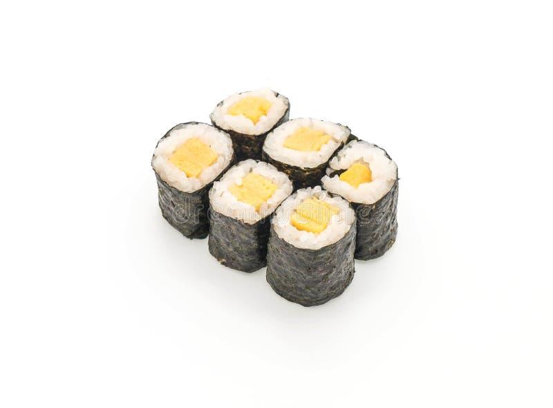 maki dolce dell'uovo (tamago) - stile giapponese dell'alimento fotografia stock libera da diritti