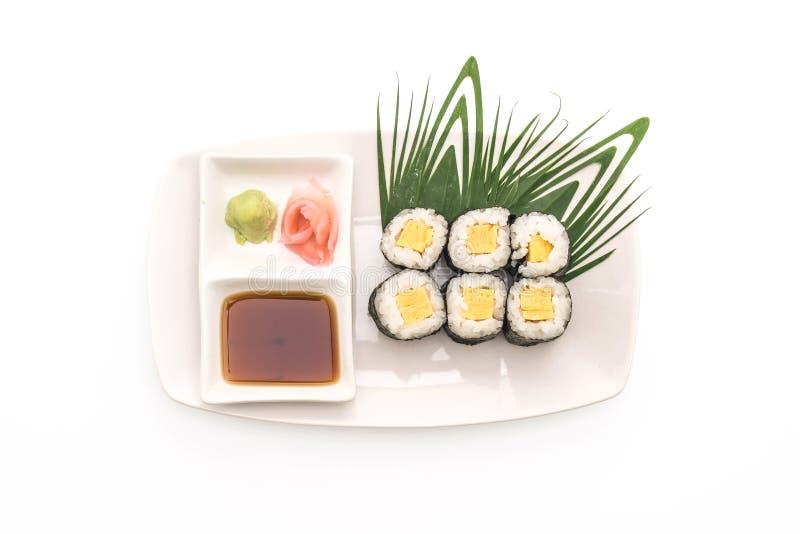 maki dulce del huevo (tamago) - estilo japonés de la comida imagen de archivo libre de regalías