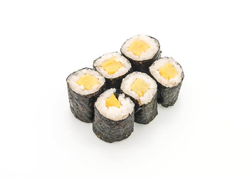 maki dulce del huevo (tamago) - estilo japonés de la comida fotografía de archivo