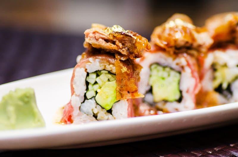 Maki rola com os gras do waygu e do foie fotografia de stock royalty free
