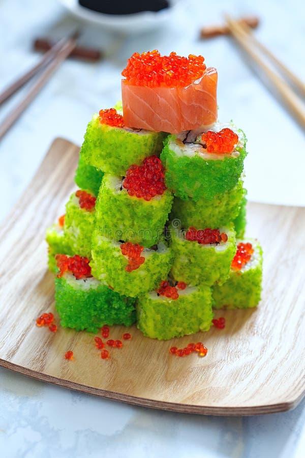 Download Maki Sushi Roll Para La Navidad Foto de archivo - Imagen de cocina, rojo: 44857870