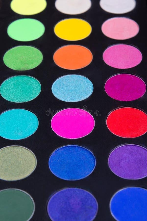 Makijaż paleta eyeshadows nad czernią colorfully zdjęcia royalty free