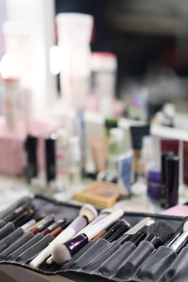 Makijażu stołowy clouseup Set muśnięcia obraz stock