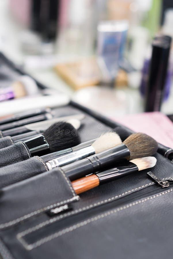 Makijażu stołowy clouseup Set muśnięcia zdjęcia stock