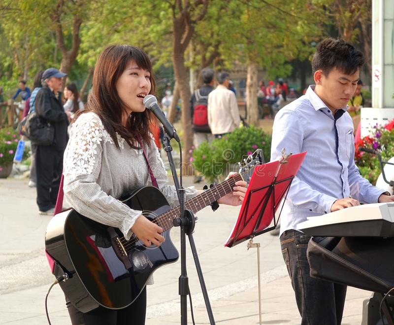Download Making Music in the Park editorial photography. Image of busking - 39512872