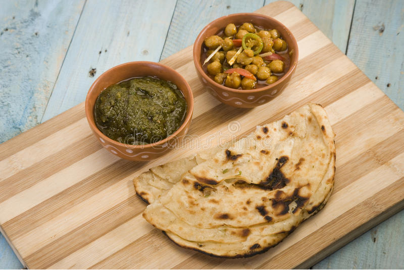 Makki Ki Roti avec Channa images stock