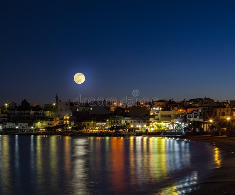 Makrigialos i månsken fotografering för bildbyråer