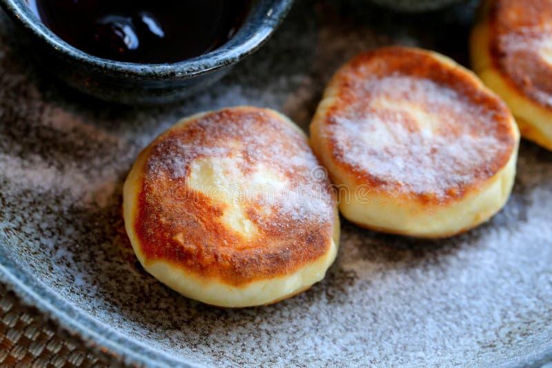 Makro- fotografia wyśmienicie jaskrawy ser zasycha z dżemem c i podśmietaniem zdjęcie stock