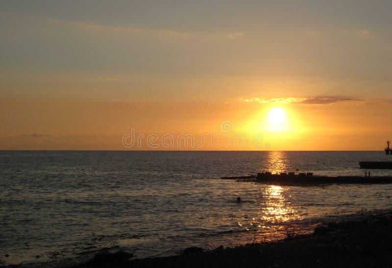 Makro- fotografia z dekoracyjnym tłem wieczór zmierzchu krajobraz na wybrzeżu kraj na czarnym morzu zdjęcia royalty free