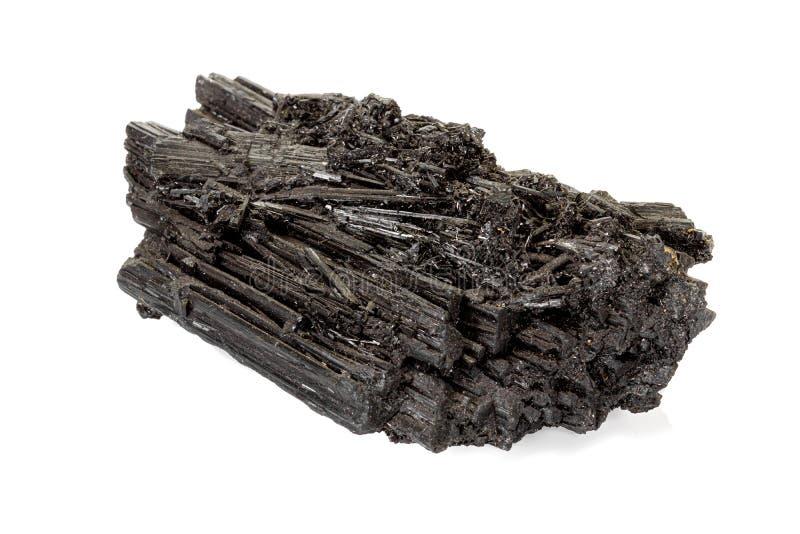 Makro- kamienny czarny kopalny tourmaline Scherl na białym tle fotografia stock