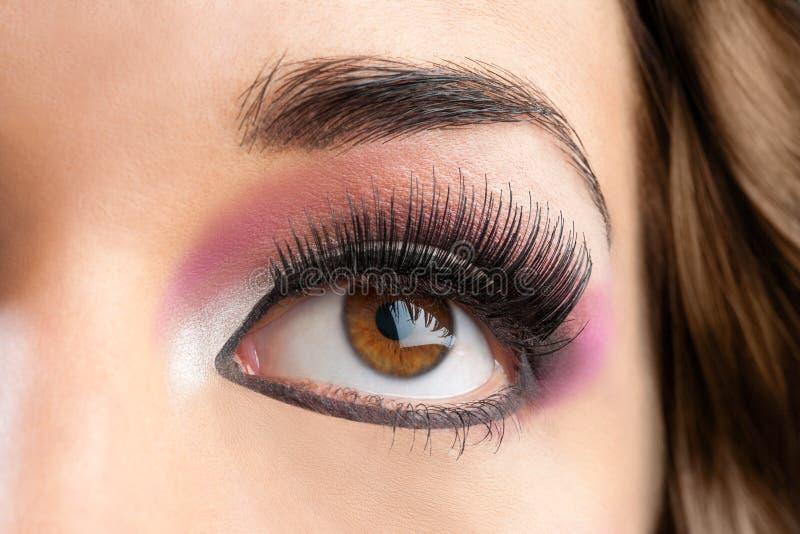 Makro nah oben vom weiblichen Auge. lizenzfreies stockfoto
