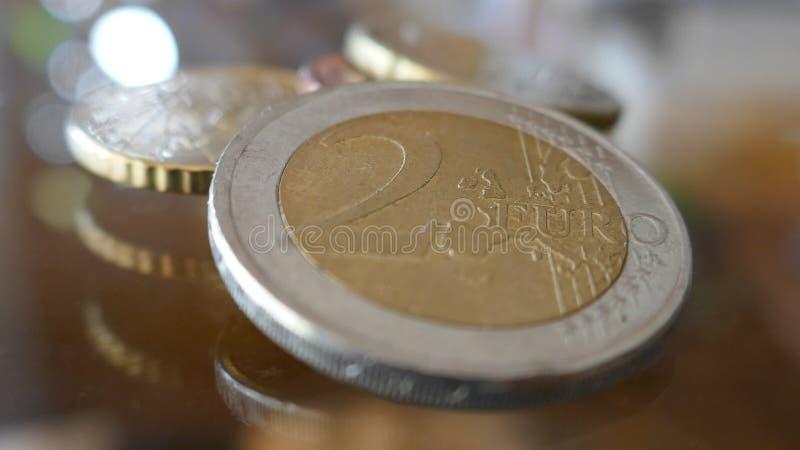 Makro som skjutas av euromynt royaltyfria bilder