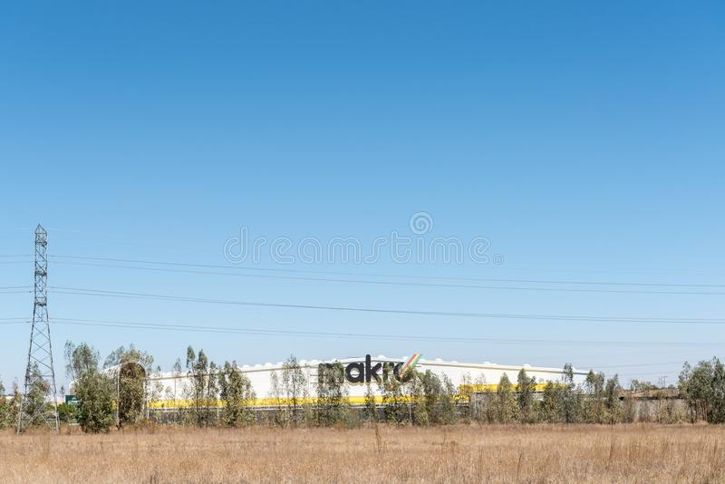 Makro vendent l'entrepôt en gros de détaillant dans Kwaggafontein dans Bloemfont photo libre de droits