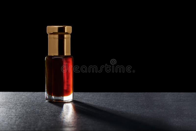 Makro- zakończenie Up Aromatyczny Istotnego oleju serum W Krystalicznym Glas obraz royalty free