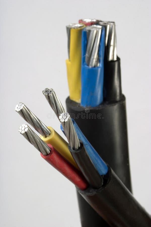 Makrodetail eines Drahts des elektrischen Seilzuges lizenzfreies stockbild
