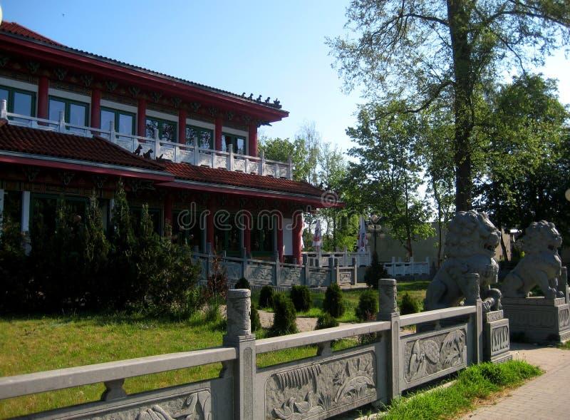 Makrofotoet med en arkitektonisk struktur för dekorativ bakgrund av den restaurangen tjänar som kokkonst för traditionell kines fotografering för bildbyråer