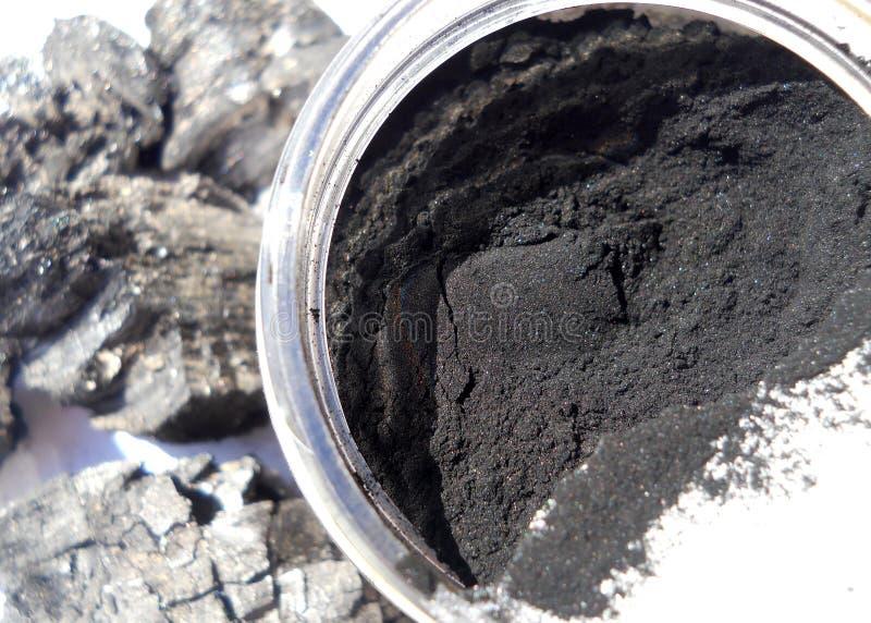 Makrophotographie des Holzkohlen-Pulvers lizenzfreies stockfoto