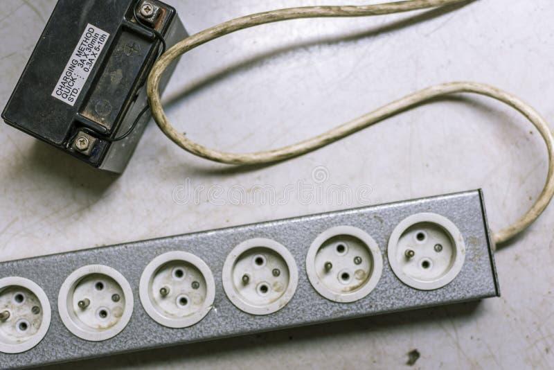 Maktremsa som drivas av batteriet arkivbilder
