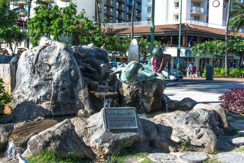 Makua och Kila skulptur i Waikiki, Hawaii arkivfoto