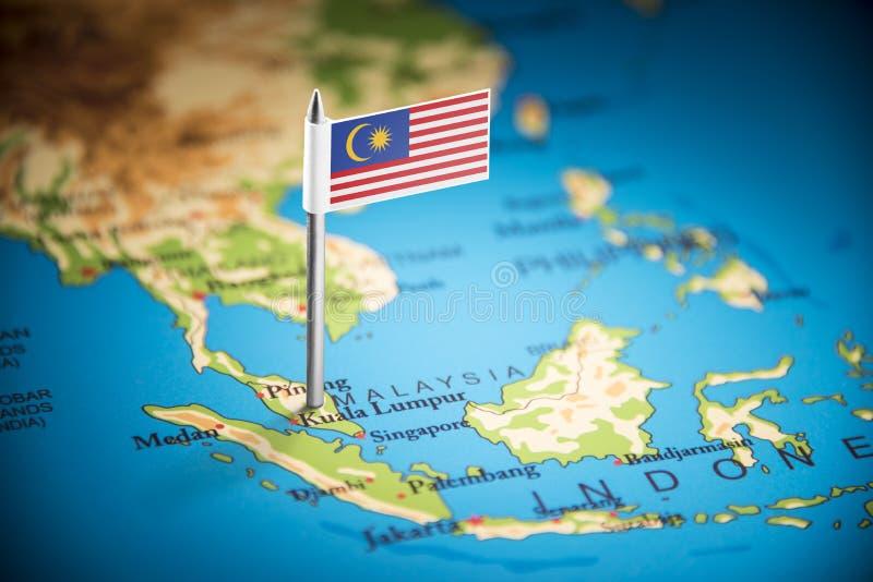 Malásia identificou por meio de uma bandeira no mapa foto de stock royalty free