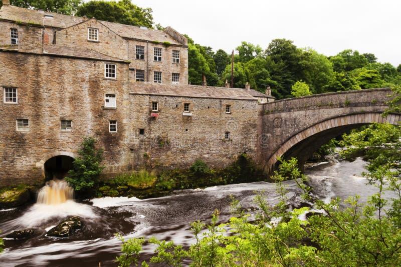 Mala loppet som te shoppar, Ausgarth nedgångar, Leyburn, North Yorkshire, England fotografering för bildbyråer