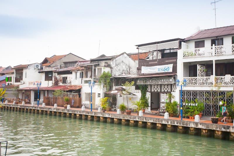 Malacca πόλη με το σπίτι κοντά στον ποταμό κάτω από το μπλε ουρανό στη Μαλαισία στοκ εικόνα με δικαίωμα ελεύθερης χρήσης