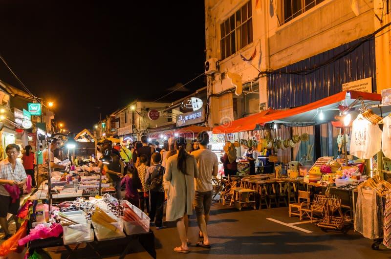 Malacca Malaysia - April 21,2019: Nattmarknaden p? fredag, l?rdag och s?ndag ?r den b?sta delen av den Jonker gatan, det s?ljer royaltyfria foton