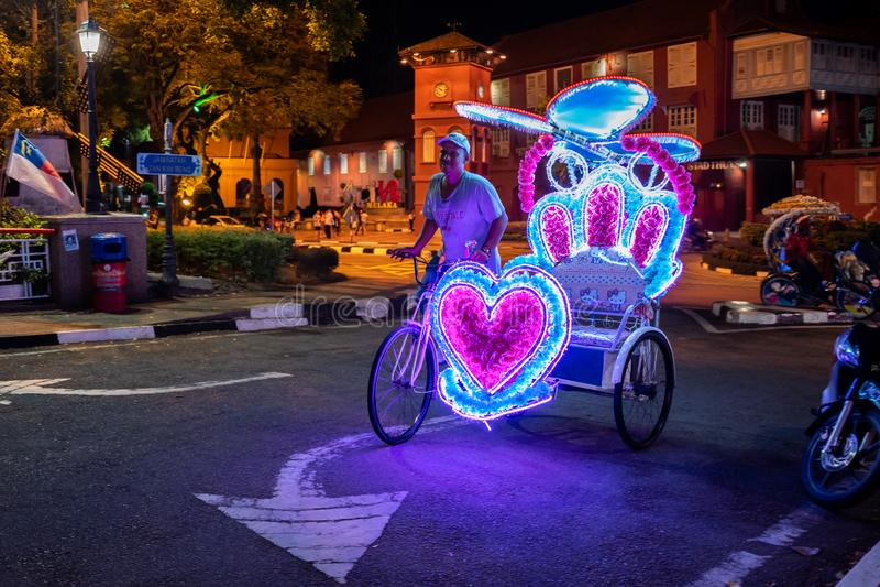 Malacca Malezja, Luty, - 28, 2019: Riksza z Hello Kitty stylem na ulicach Malacca obrazy stock