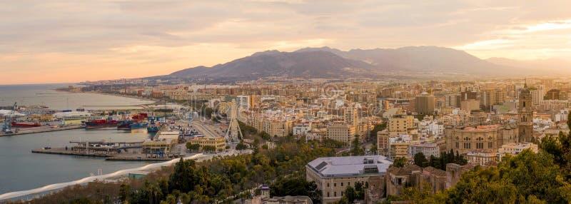 Malaga, Espanha no por do sol fotos de stock royalty free