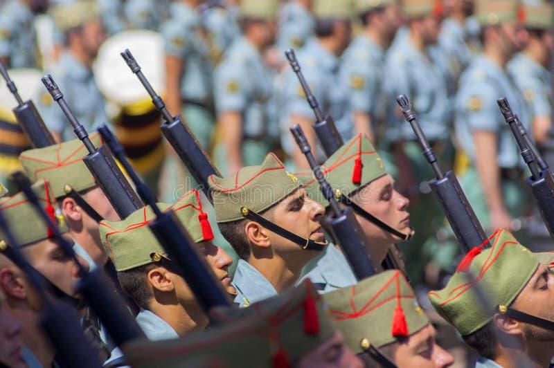 Download MALAGA HISZPANIA, KWIECIEŃ, - 09: Hiszpańszczyzny Legionarios Marsz Na Militar Zdjęcie Editorial - Obraz złożonej z andalusia, parada: 41953031