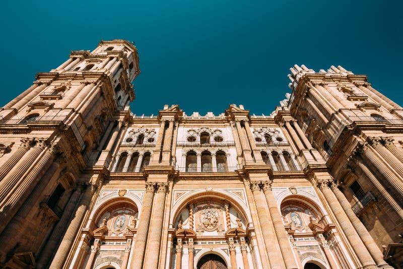 Malaga, Spagna Parete della facciata del campanile della cattedrale dell'incarnazione fotografie stock libere da diritti