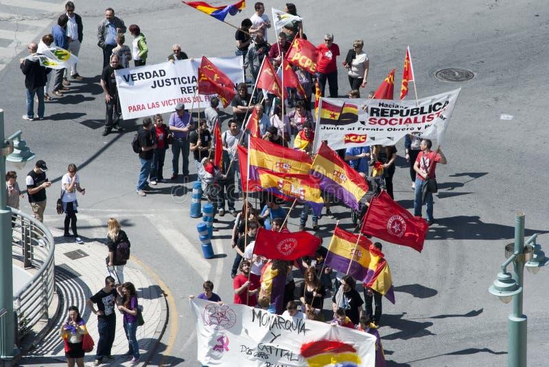 Malaga (Spanje), 14 April 2013: Demonstraties tegen Monarchie in de II Verjaardag van de Republiek stock foto
