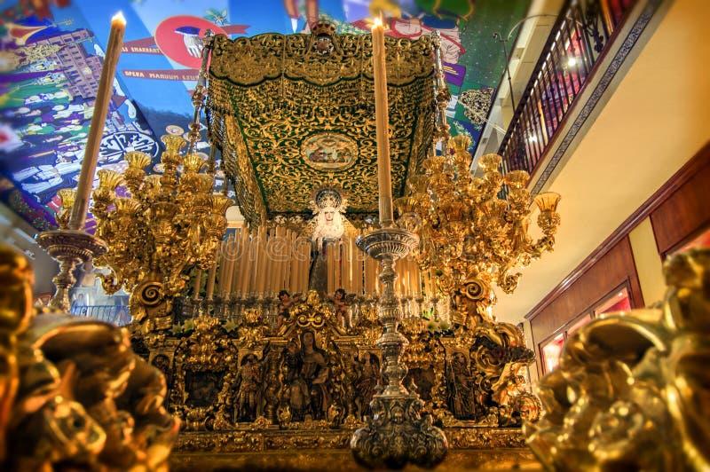 MALAGA, SPANJE - APRIL 16: Optochtwachten om in ci uit te gaan royalty-vrije stock afbeelding