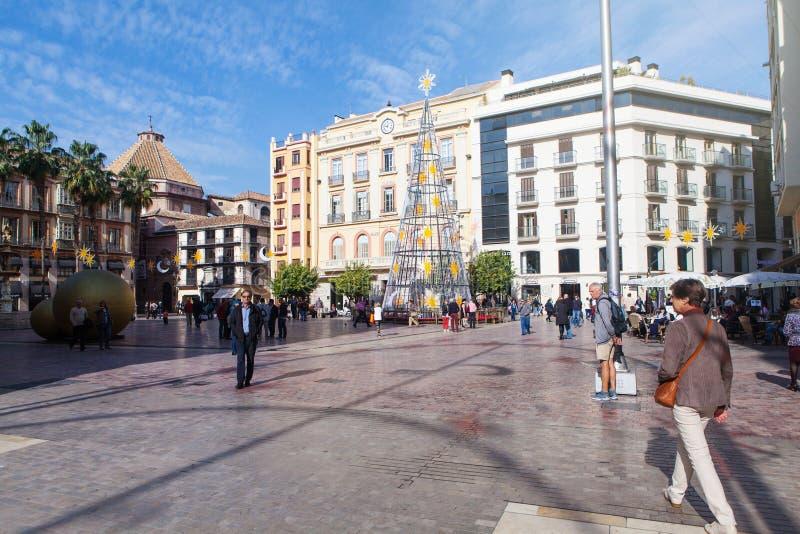 MALAGA, SPANJE - DECEMBER 2, 2015: Wat het voet lopen rond het Grondwetsvierkant in het stadscentrum van Malaga tijdens dag stock fotografie