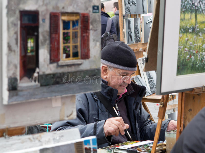 Malarz na miejscu Du Tertre Paryż obrazy stock