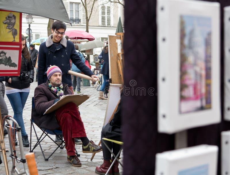 Malarzi na miejscu Du Tertre Paryż obrazy stock