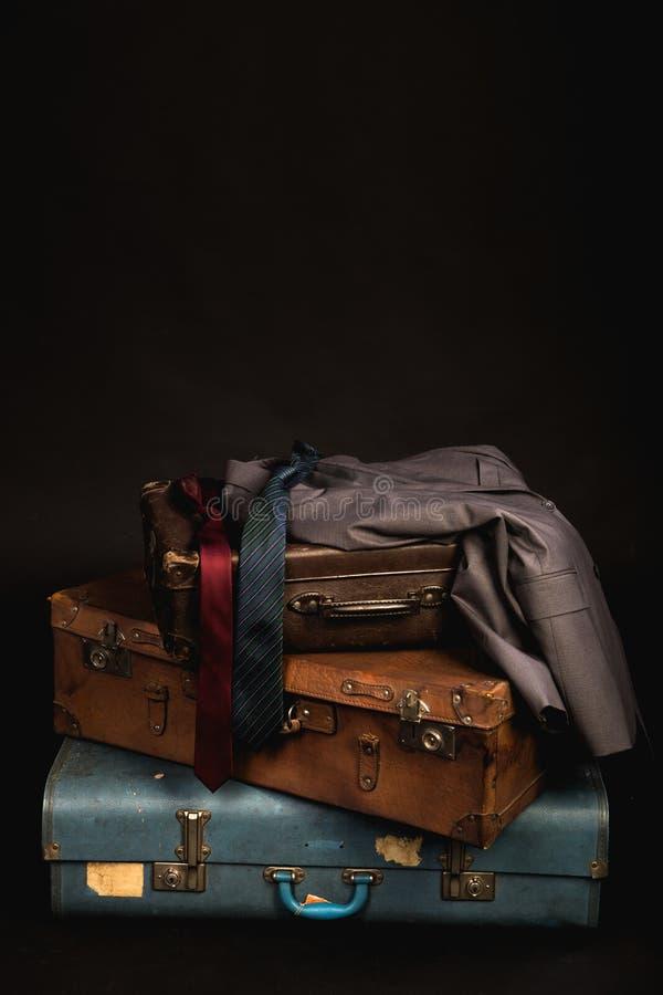 Malas de viagem e bagagem do vintage imagens de stock royalty free