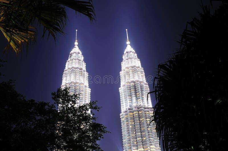 Malasia; Kuala Lumpur; torres gemelas de petronas imagen de archivo